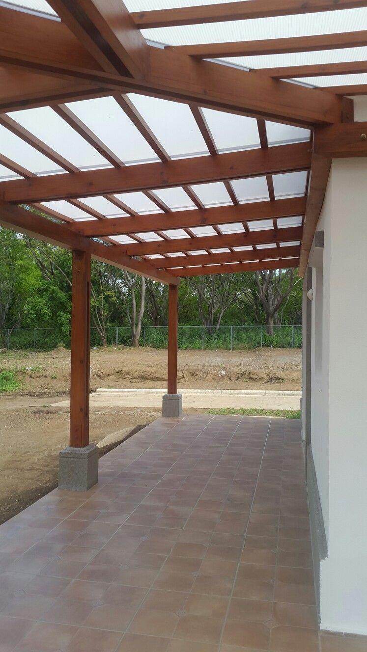 Desarrollo de terraza obra gris p rgola policarbonato y for Pergola policarbonato