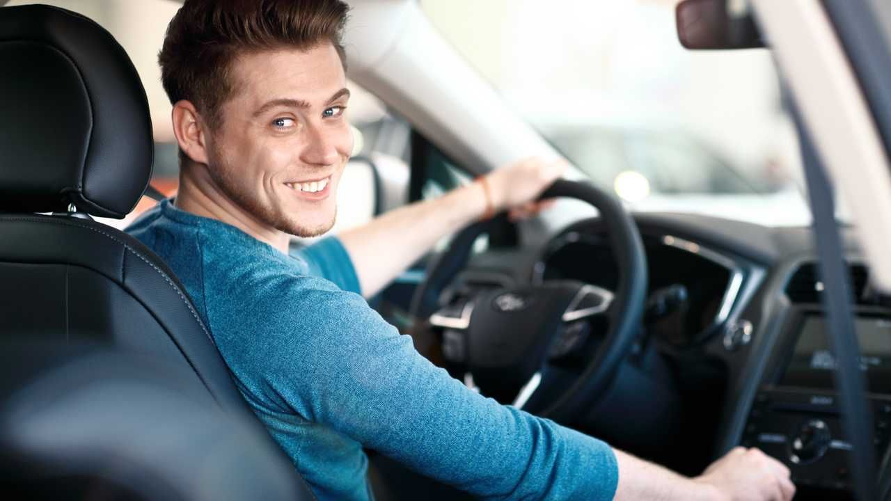 The Best Car Insurance For College Students Motor1 In 2020 Car