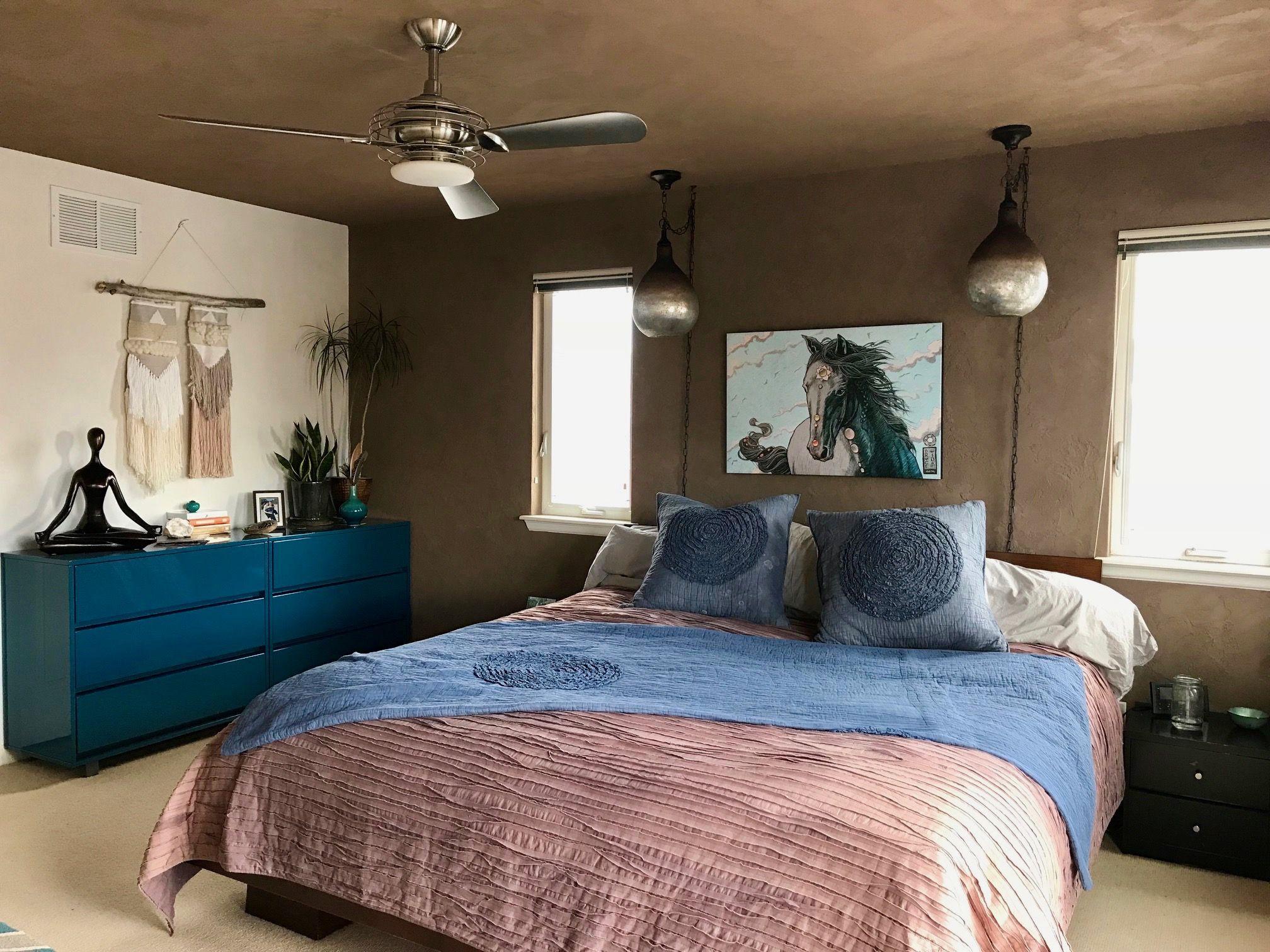 A Natural, Nontoxic & Colorful Clay Home in Colorado