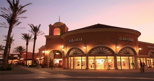 Las Americas Premium Outlets The Official Travel Resource For The San Diego Region With Images San Diego Shopping Premium Outlets