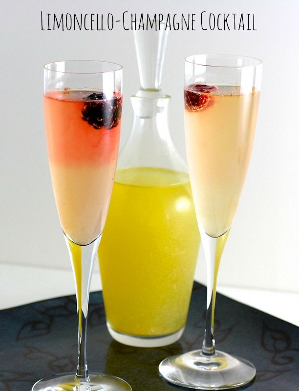 Limoncello-Champagne Cocktail | www.ShockinglyDelicious.com #champagne #limoncello #brunchrecipe #limoncellorecipe #cocktail