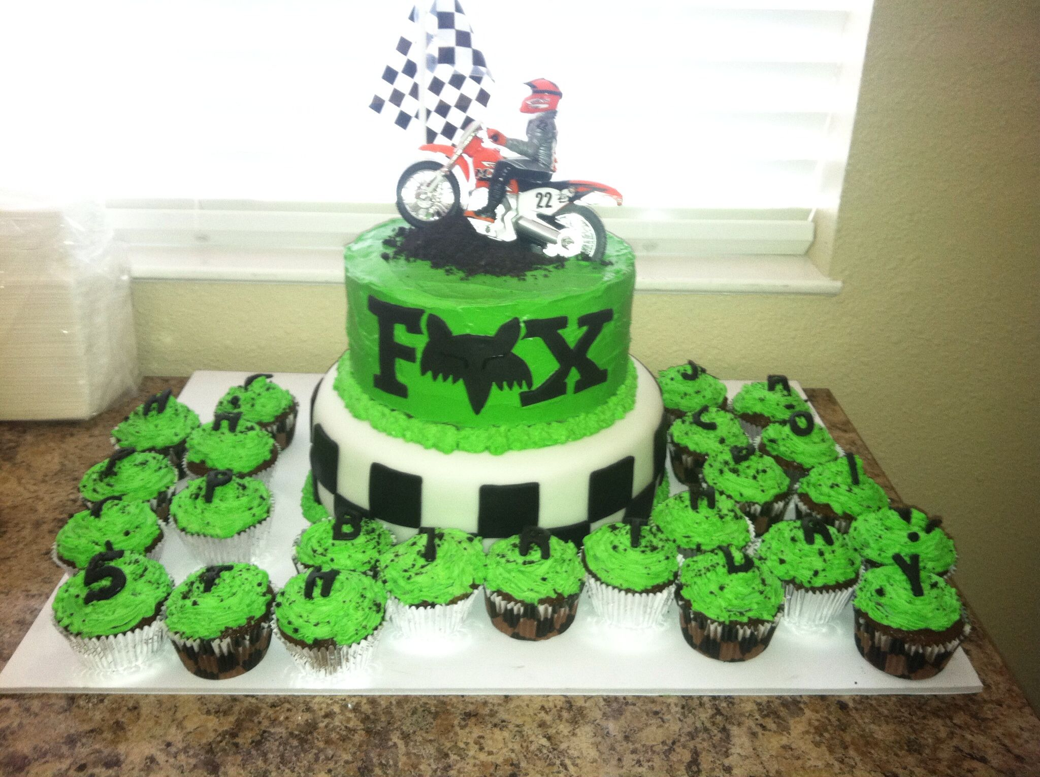 Finished Fox Racing Cake :)
