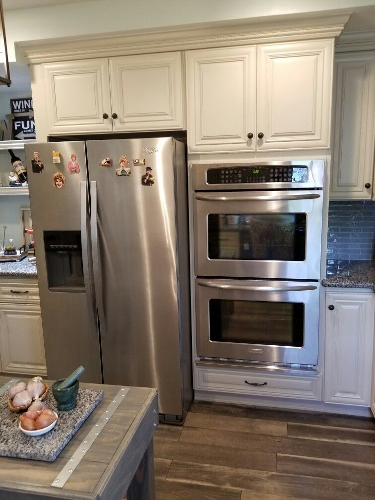 Side By Side Refrigerator And Dual Ovens Saved More Space In My Kitchen For Additional O Diy Kitchen Renovation Farmhouse Kitchen Inspiration Kitchen Remodel