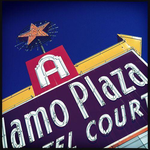 Alamo Plaza Hotel Courts Neon Sign Arrow Star Oak Cliff West Dallas Texas Blue Yellow Red 4374
