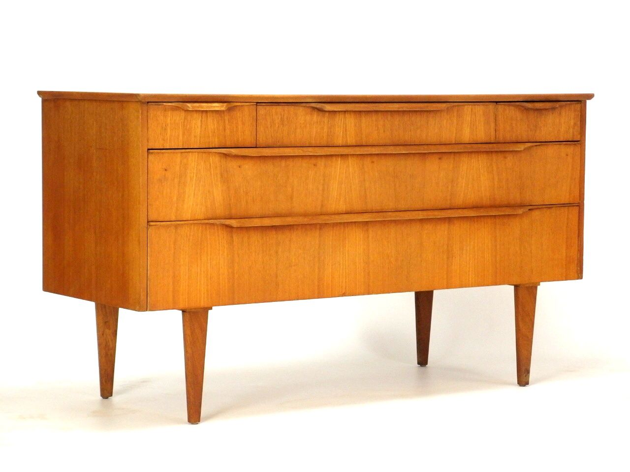 Sold prachtig vintage dressoir de minimalistische