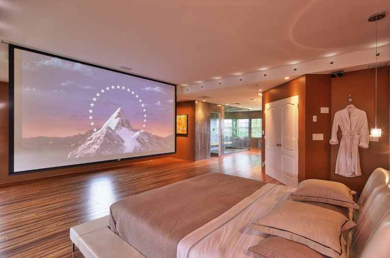 Style sleuthing sunday big screen tv screens and bedrooms for Large bedroom ideas