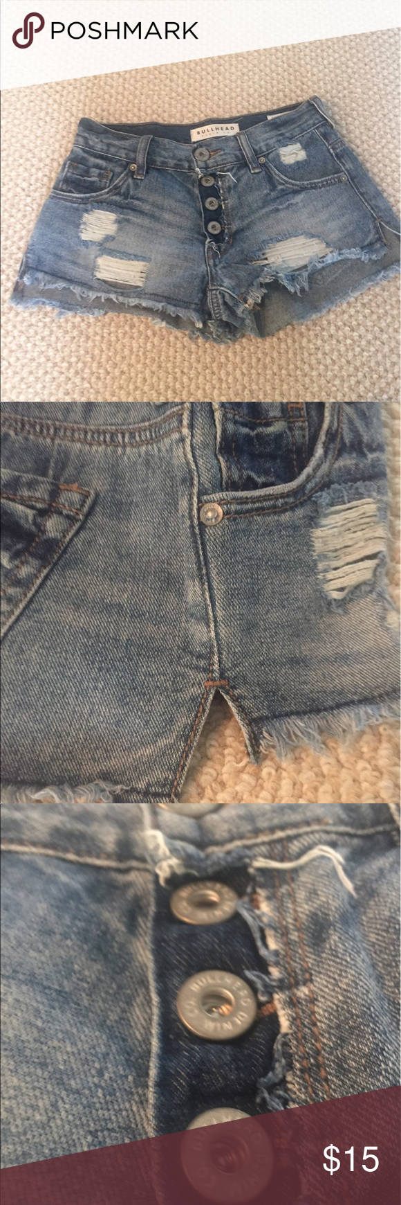 Bullhead Denim Co., Jr Girls Slouchy Short-Size 00 Bullhead Denim Co., Junior Girls Slouchy Short- Size 00. Distressed detail, Side slit detailing. Button up front. Like new. Not available.  Purchased from Pac-Sun Original Price $40 Bullhead Shorts Jean Shorts