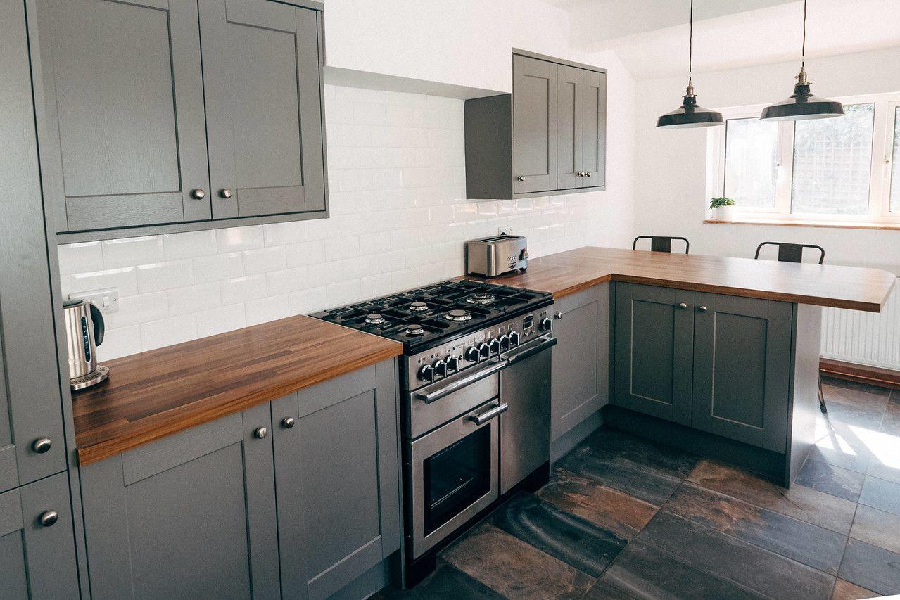 Howdens in 2020 Slate kitchen, Stylish kitchen, Slate