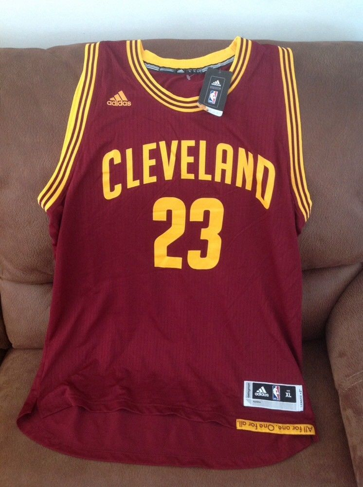 adidas cleveland cavaliers lebron james  23 nba jersey NWT size XL mens  c73c1e005