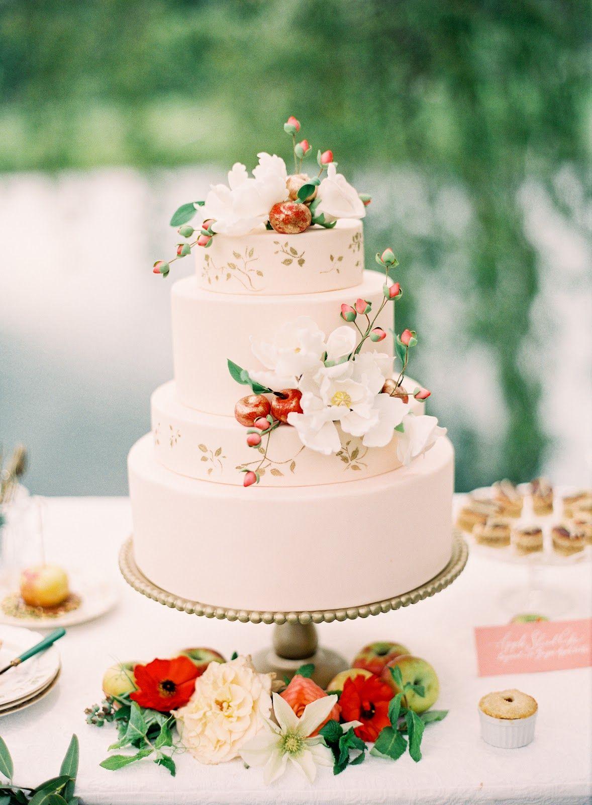 Devine glutenfree wedding cake by lael fruit wedding cake