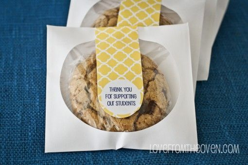 Bakery Style Chocolate Chip Cookies & Cookie Favor Packaging • Love From The Oven