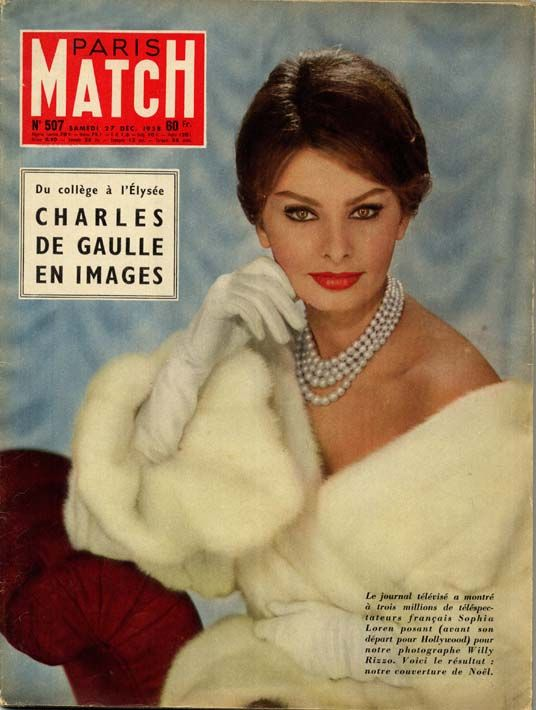Sophia Loren en couverture de Match en 1957 photographiée par Willy Rizzo