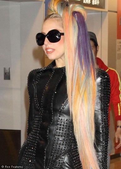 Lady Gaga In Japan Wearing Lots Of Rainbow Colored Hair Extensions Celebrity Hair Colors Lady Gaga Hair Rainbow Hair