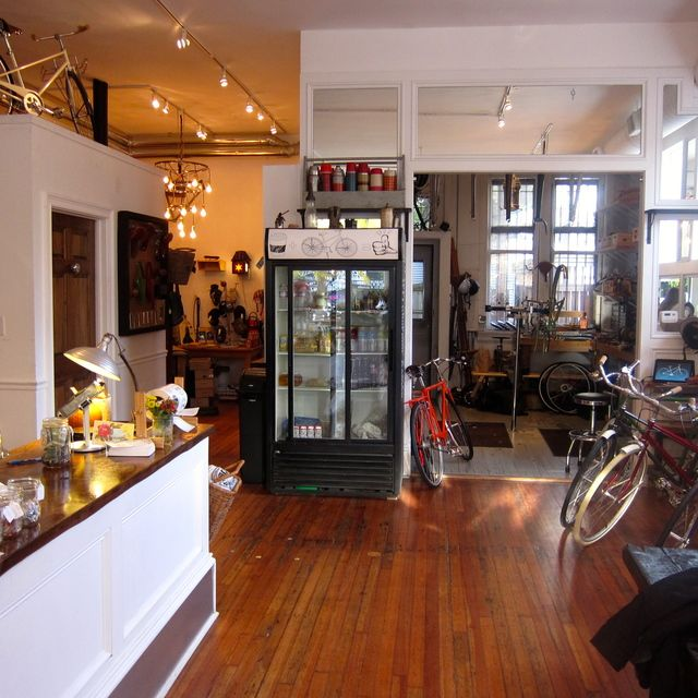 Coffee and Bike to Go! Heritage Bicycles General Store in Chicago, Illinois