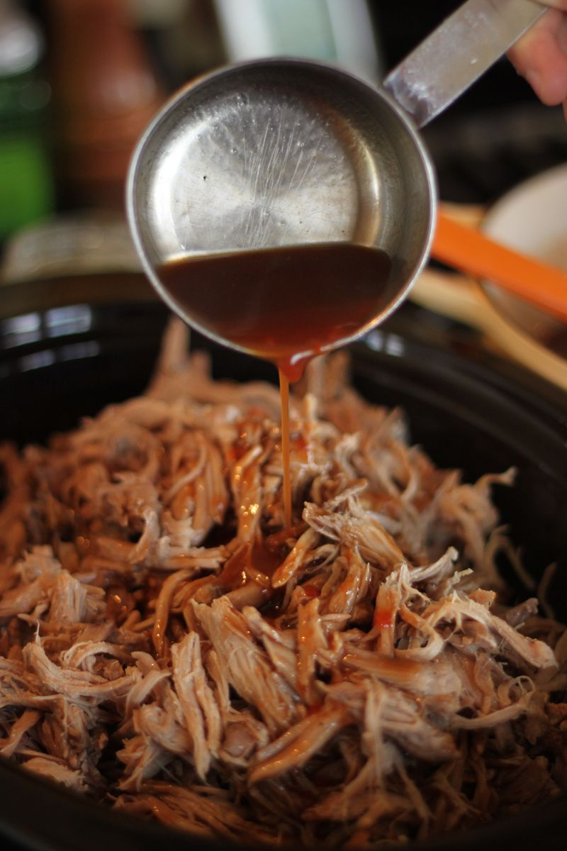 How to cook pulled pork in roasting pan