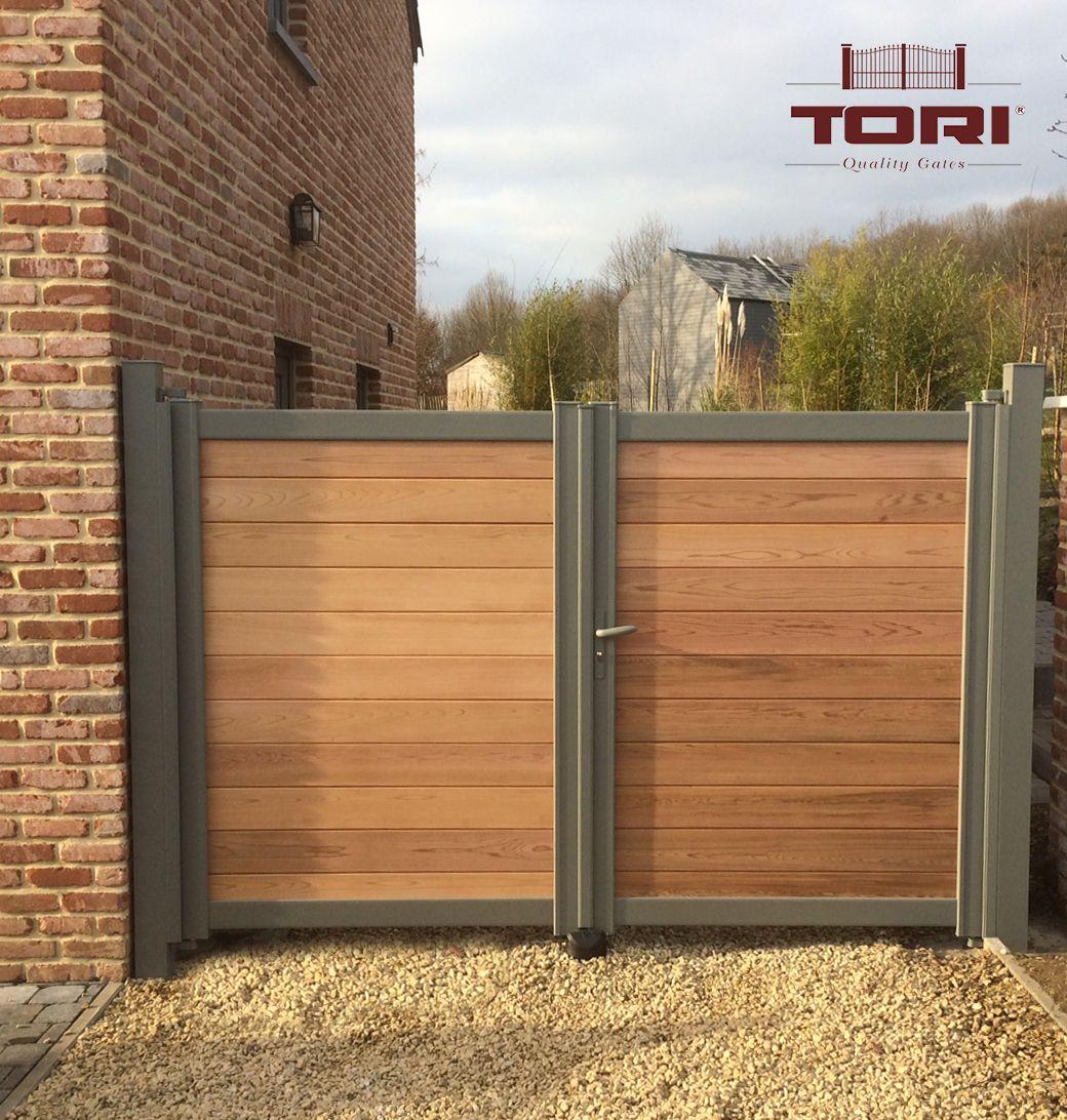 Portail bois et aluminium jardin pinterest portail jardin portail for Barriere aluminium jardin