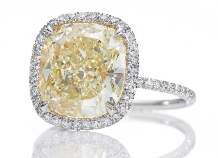 harry winston adds to the glamour of the 2012 oscars yellow diamond engagement ringcushion - Harry Winston Wedding Rings