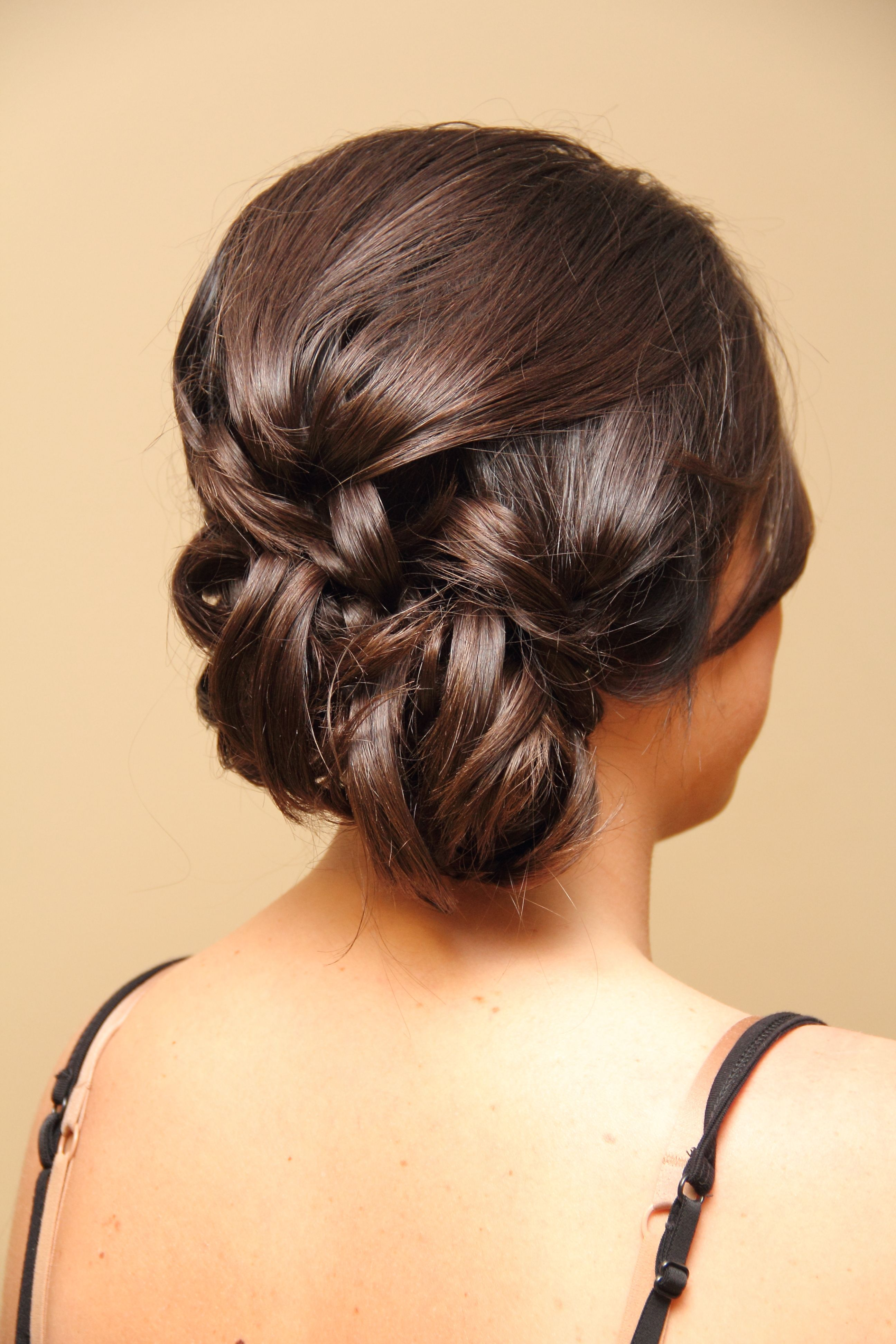 Side updo great detail here 헤너스타일 pinterest updo updos