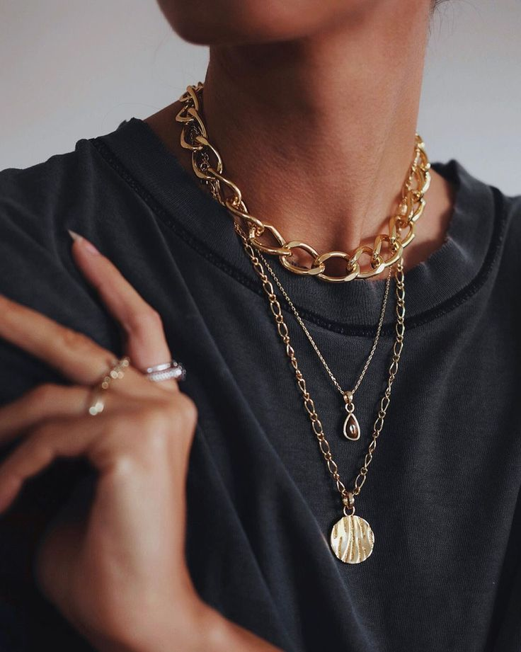 Photo of Why Editor's & Celebrities, Alike, Can't Stop Wearing This Cult Jewelry Brand #a…