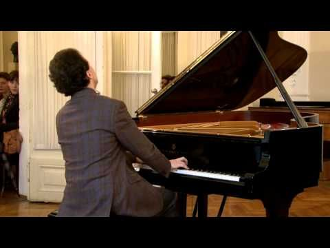 Evgeny Kissin Live At Zagreb Music Adacemy Chopin Scherzo Op 31 In B Flat Youtube Music Concert Music Pianist