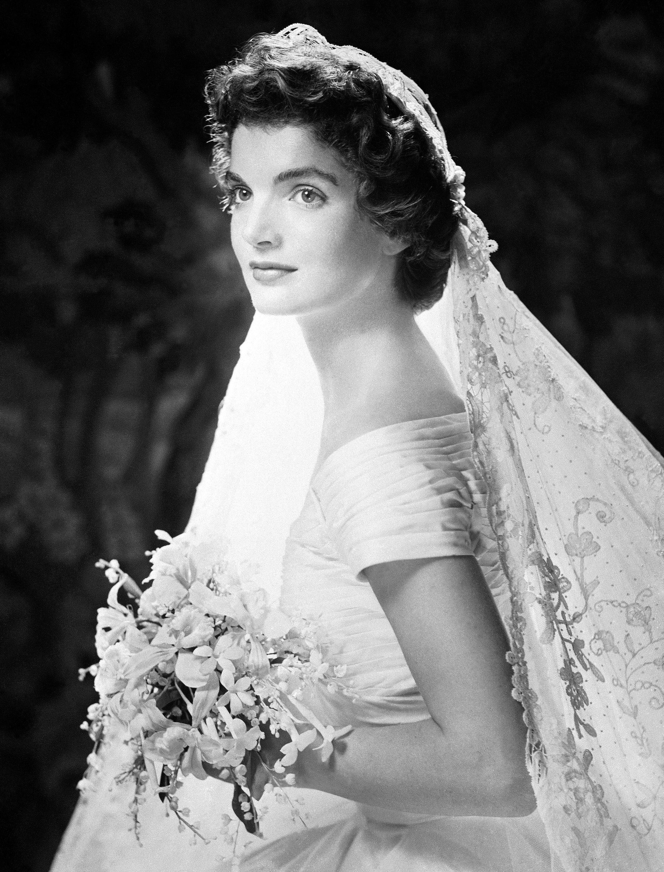 Jackie kennedy inauguration dress google search fun for Jacqueline kennedy wedding dress