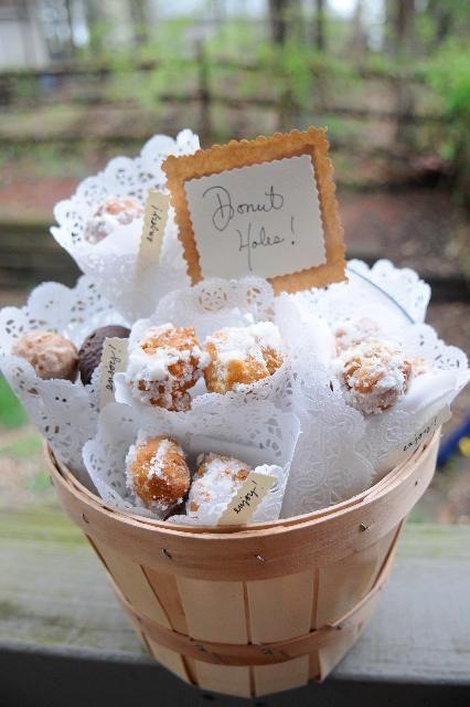DIY Wedding Favors : DIY Donut Hole Wedding Favors
