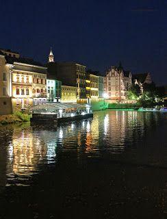 A jakie wasze są wieczorne rozrywki? :)  http://cezary-marek.blogspot.com/2013/08/wypuscic-sie-wieczorem-w-nasze-miasto.html