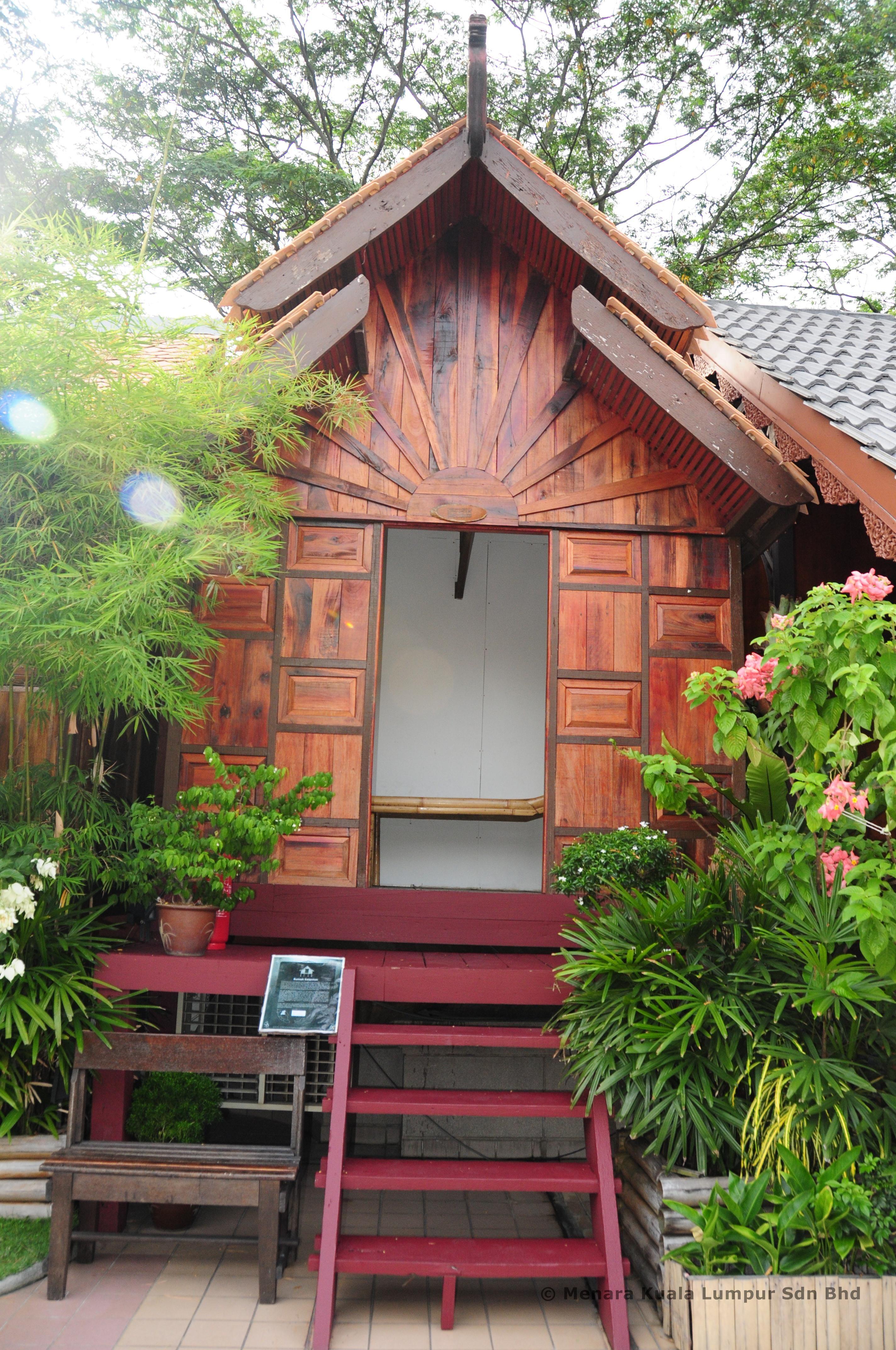 Home Design Ideas Malaysia: Kelantan Traditional House At 1 Malaysia Cultural Village