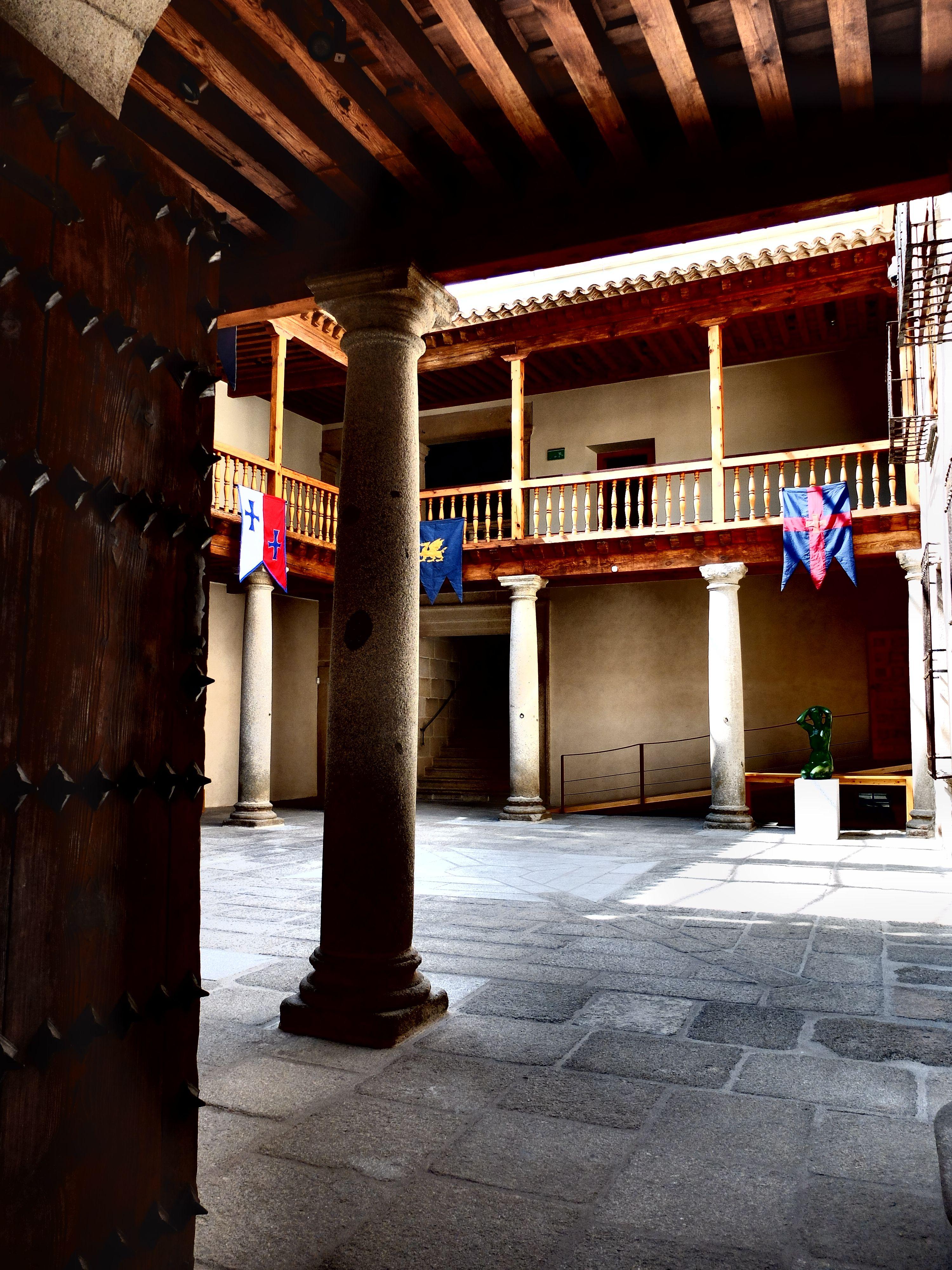 Palacio de Superunda-Caprotti. Entrada a patio