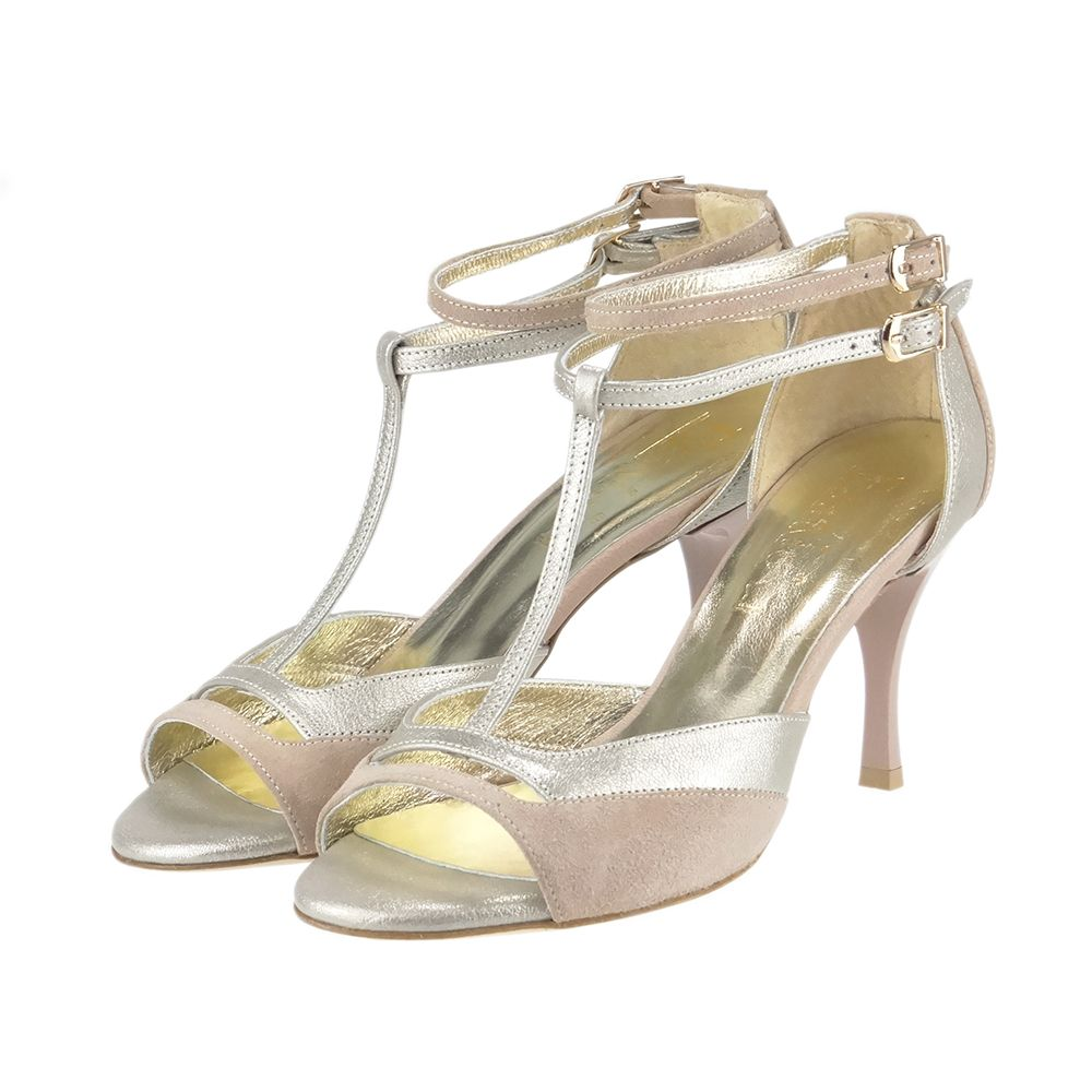 34bfa5c9306796 Idealny do tańca - salsy, tanga, latino, kizomby. Lekko wyglądający, w  kolorze pudrowego różu sandałek ozdobi każdą nogę.