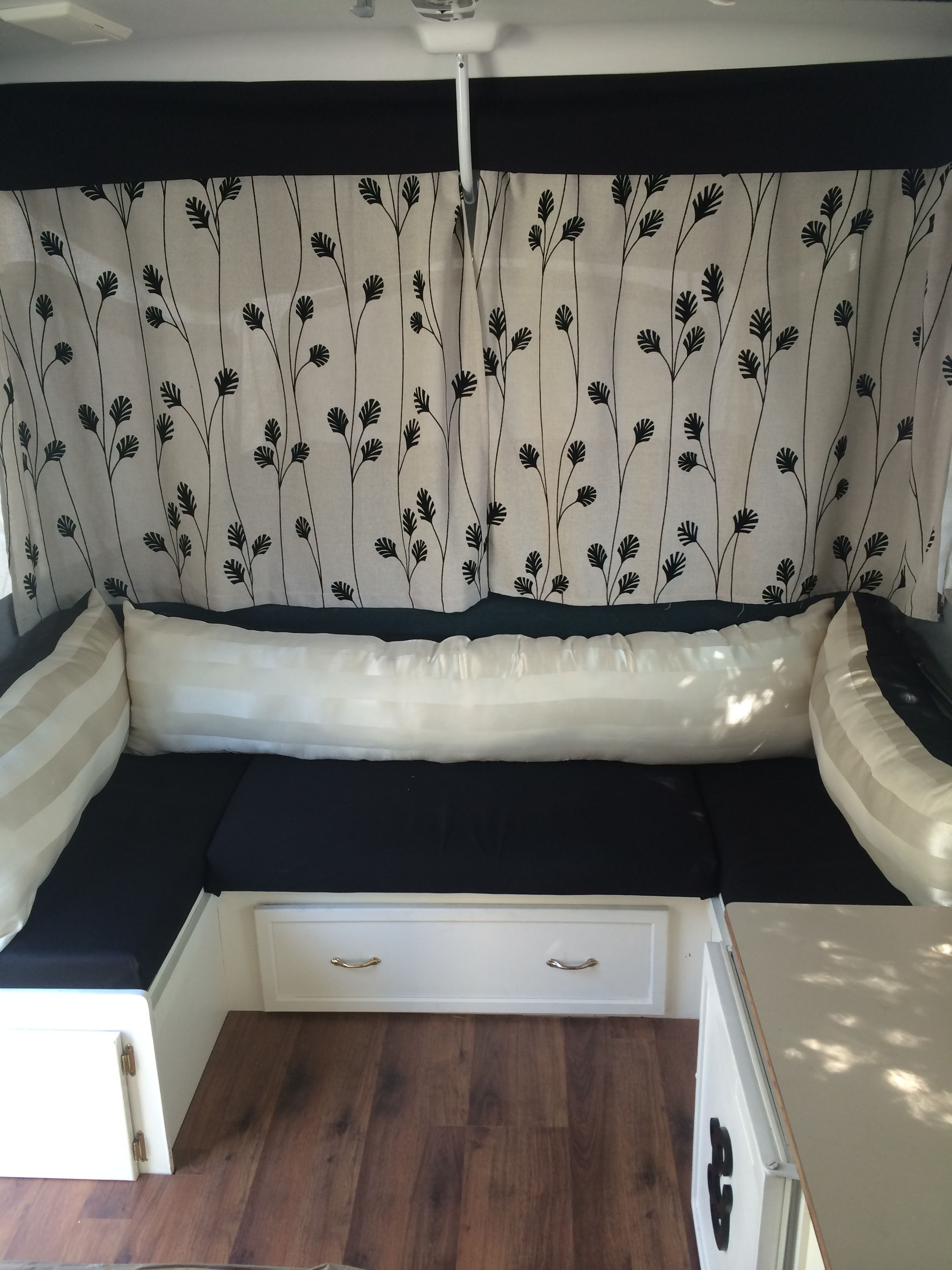 Trailer Curtains Love The Bunk Curtain Fabric And The Black Valance Pop Up
