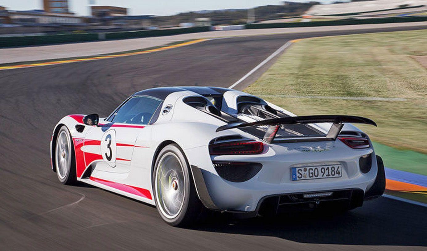 Porsche 918 Spyder trasera • ... por otro, motores eléctricos delante y detrás que entregan 286 CV. [3 de 7]