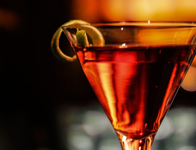 BRONZE: Lounge #lounge #bar #bronze #interiordesign #design #architecture #night #mood #whiskey #club #cocktail #drink #cosmopolitan