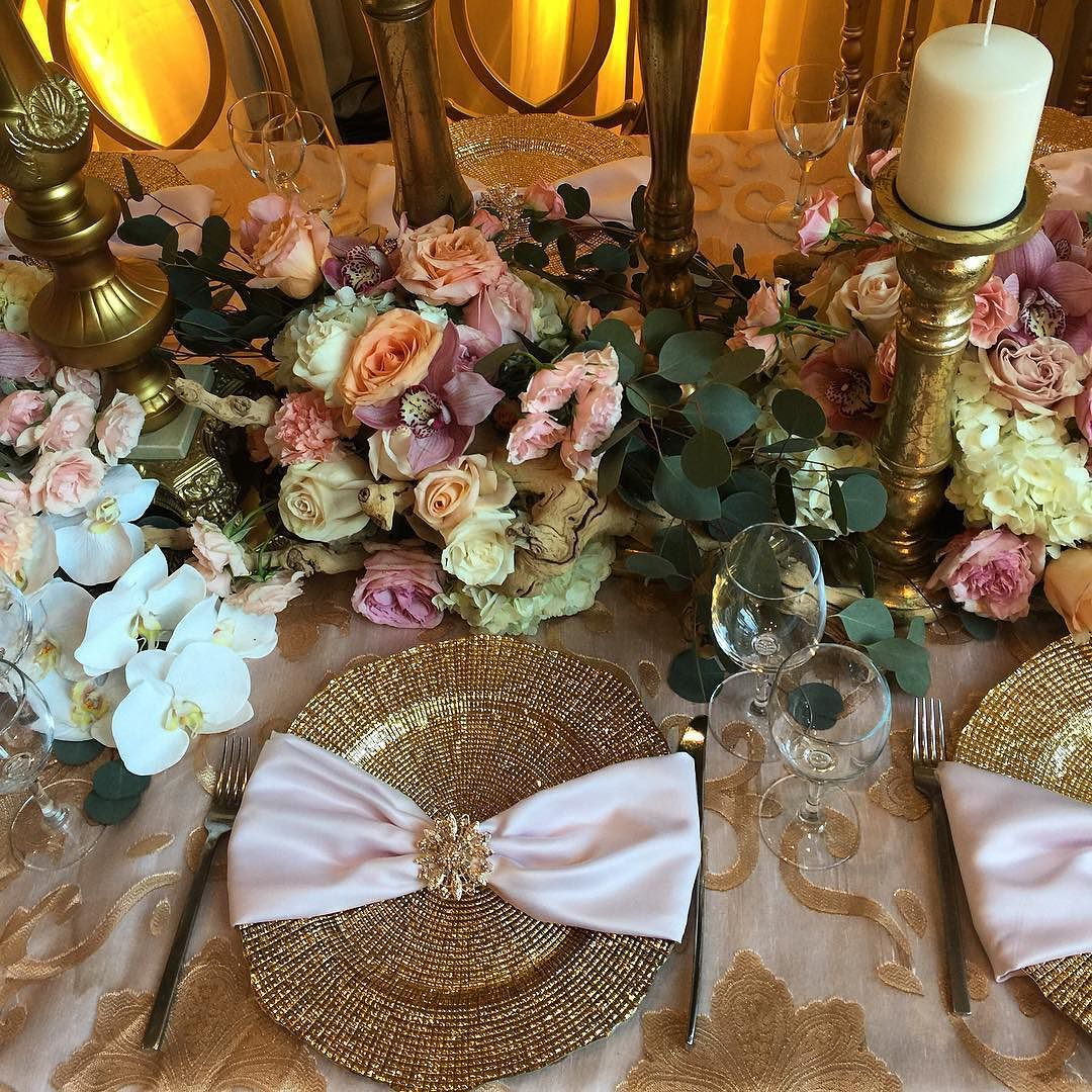 Great Vancouver Wedding Intricate Table Floral And Decor