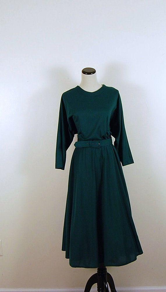 Vintage Emerald Green Retro Dress by CheekyVintageCloset on Etsy, $24.00