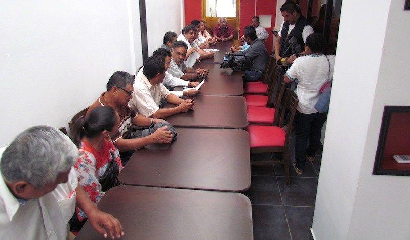 Diversos actores políticos y ex presidentes de Xadani envían una carta abierta al Gobernador de Oaxaca