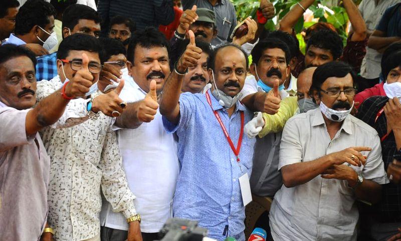 தமிழ் சினிமா தயாரிப்பாளர் சங்கத் தேர்தல் தேனாண்டாள் முரளி வெற்றி