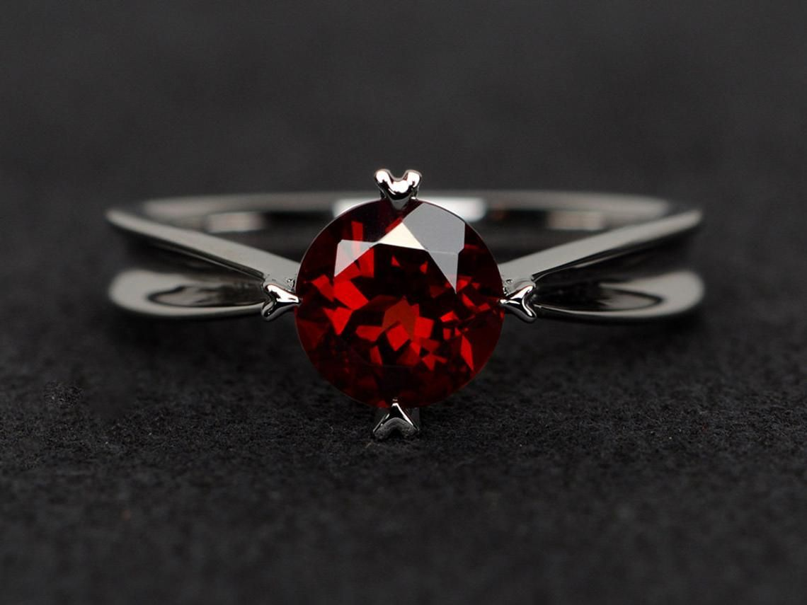 natural garnet ring wedding ring round cut red gemstone sterling silver ring January birthstone