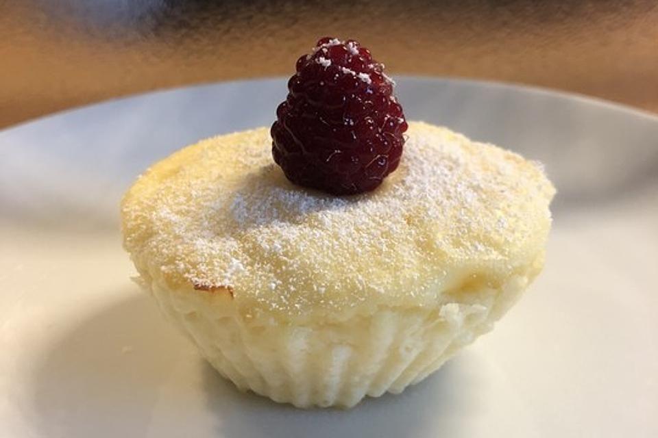 Käsekuchen-Muffins | Rezept | rezepte in 2019 | Käsekuchen ...