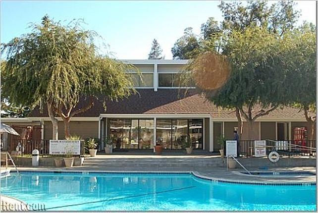 Brookside Oaks Belleville Way Sunnyvale Ca Apartments For Rent Rent Com Apartments For Rent Sunnyvale Loft House