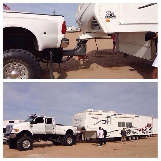 Interesting Hitch Set Up Lifted Ford Trucks Big Rig Trucks Big Trucks