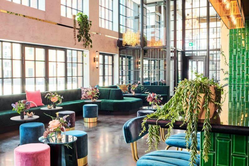 Best Hotel Bars Around The World To Visit   Bar interior ...