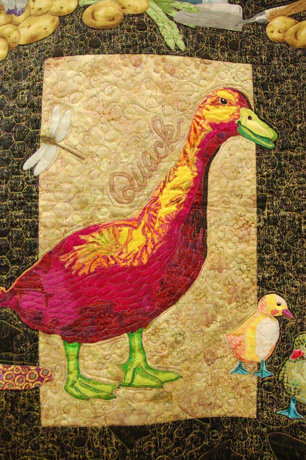 Pine Needle Quilt Shop: Hanging By a Thread Quilt Show   Mosaic ...