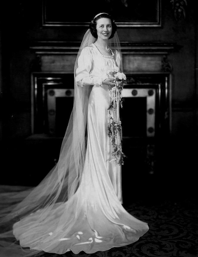 Vintage 1930 Wedding Dresses