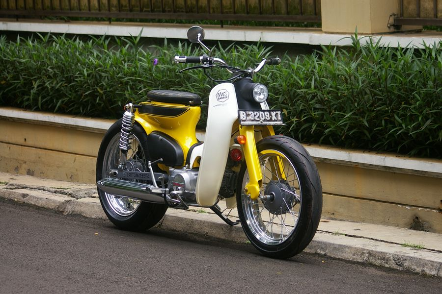 streetcub by newspeed garage motorcycle modification deux roues voiture voitures et motos. Black Bedroom Furniture Sets. Home Design Ideas