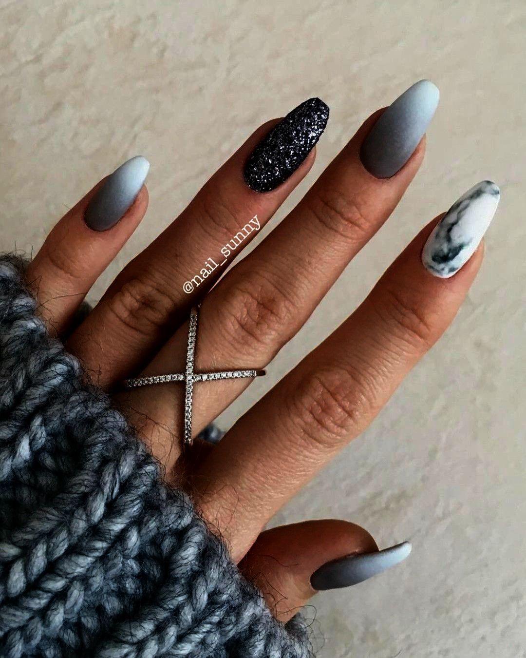 Pin Su Matte Color Nails