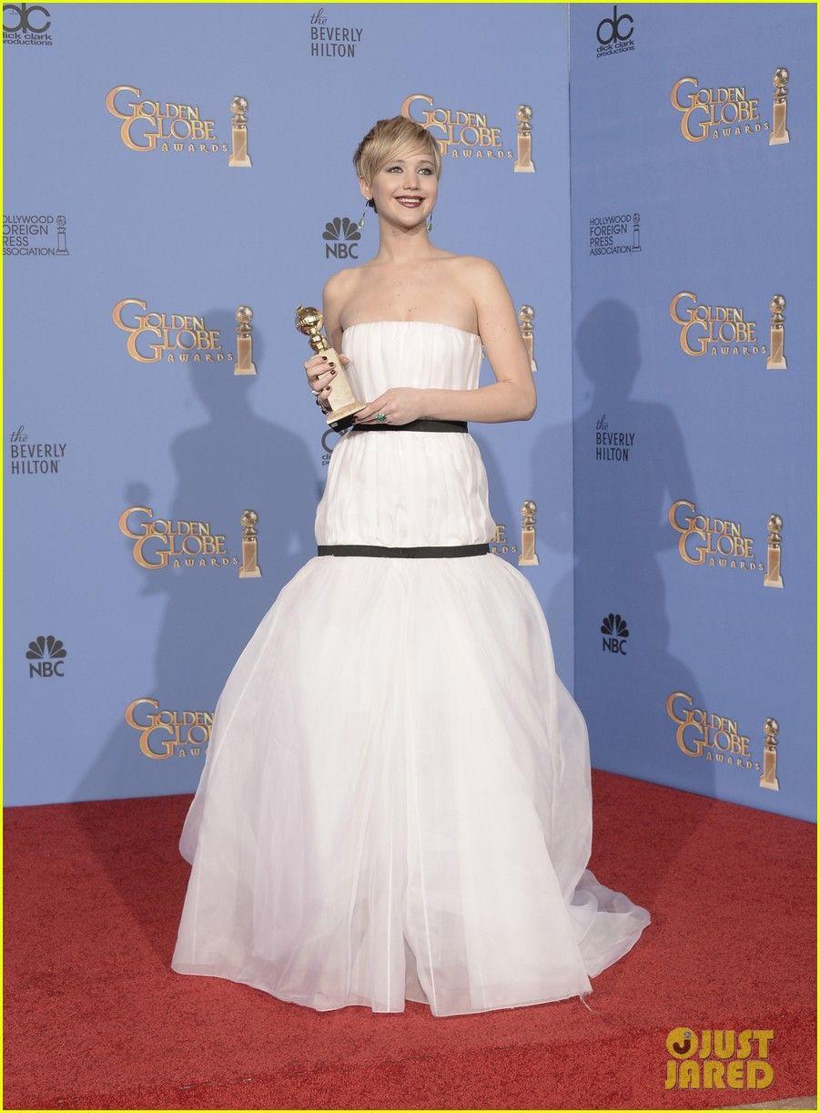 Jennifer Lawrence Kisses Nicholas Hoult at Golden Globes 2014! | 2014 Golden Globes, Jennifer Lawrence, Nicholas Hoult Photos | Just Jared