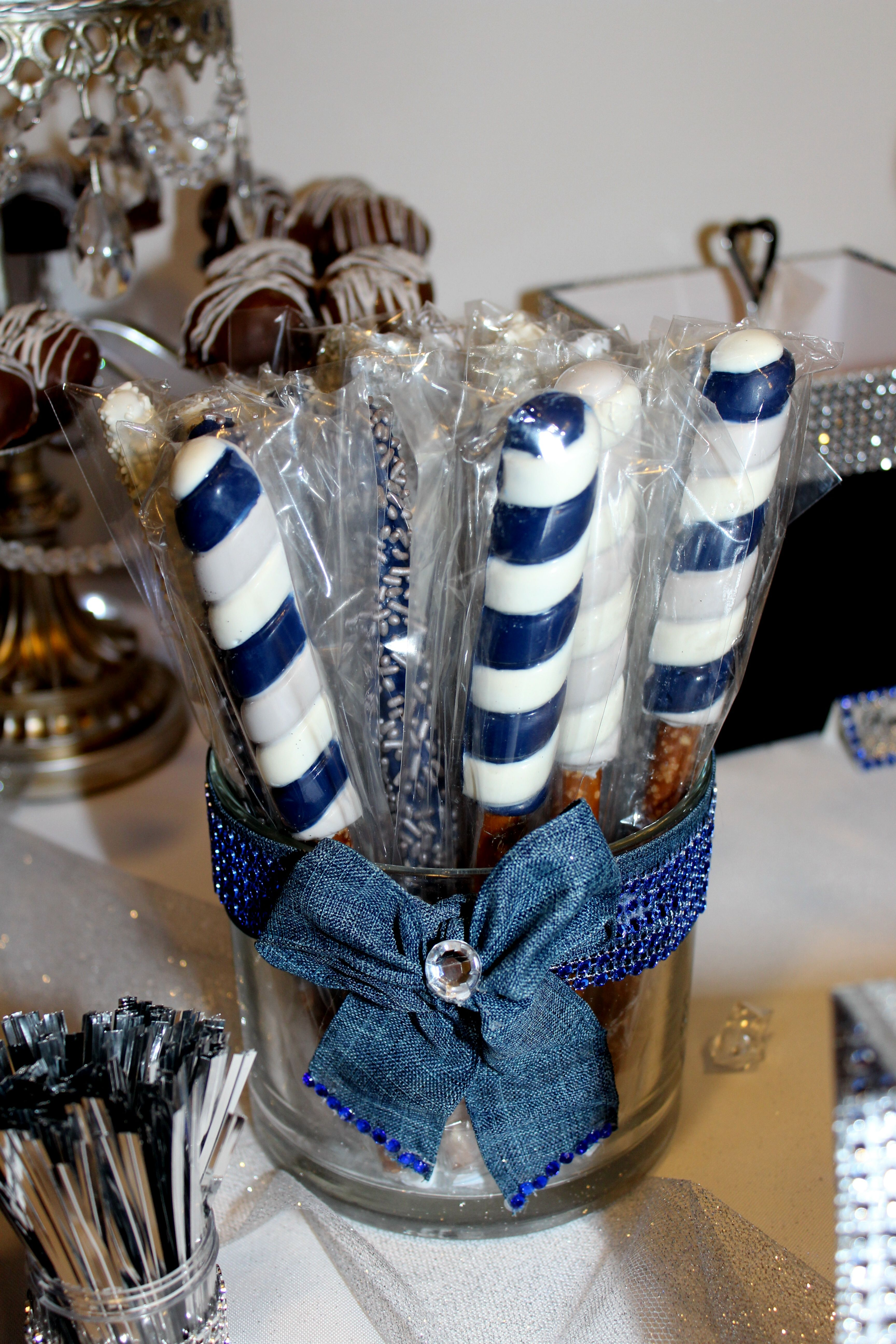 Chocolate Covered Pretzels for Wedding Favors | Giftwedding.co