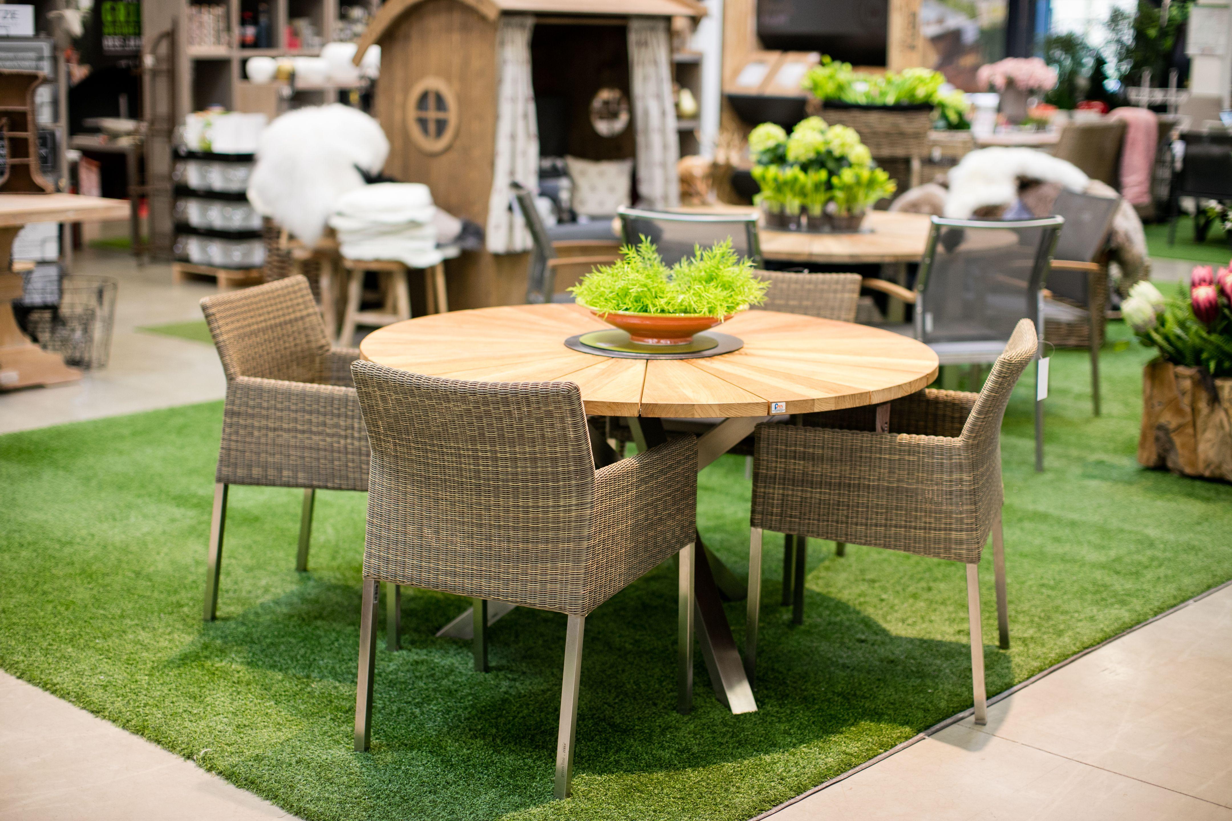 Moderne Gartenmöbel für einen tollen Garten. Ausstellung bei Franz ...