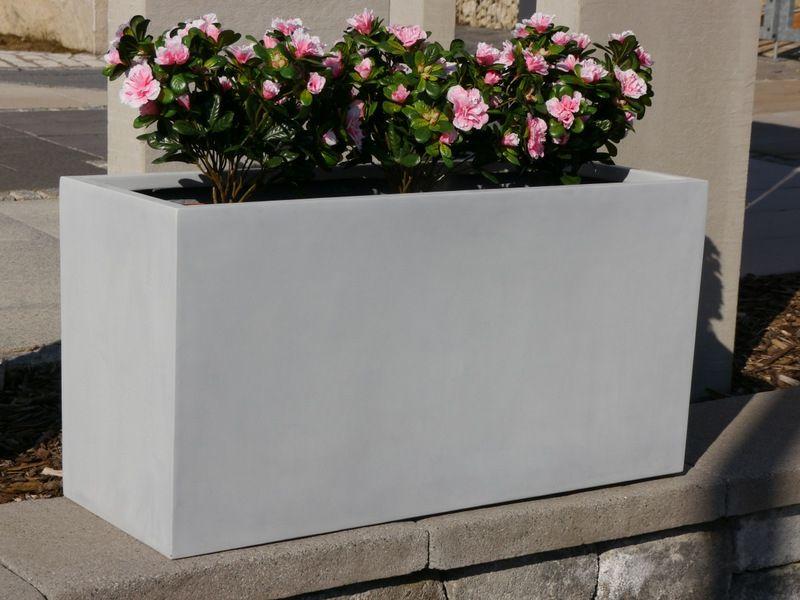 blumenk bel aus beton 25 spektakul re dekoideen f r die terrasse gartendekoration ideen. Black Bedroom Furniture Sets. Home Design Ideas